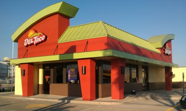 Taco Bell vs Del Taco - Pros and Cons of Each Food Chain   Del Taco   FastFoodMenuPrices.com