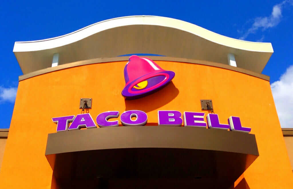 Taco Bell vs Del Taco - Pros and Cons of Each Food Chain   Taco Bell   FastFoodMenuPrices.com