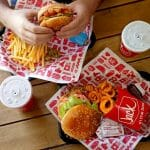 Carl's Jr. Vs Jack In The Box – Which Burger Chain Should You Go to?