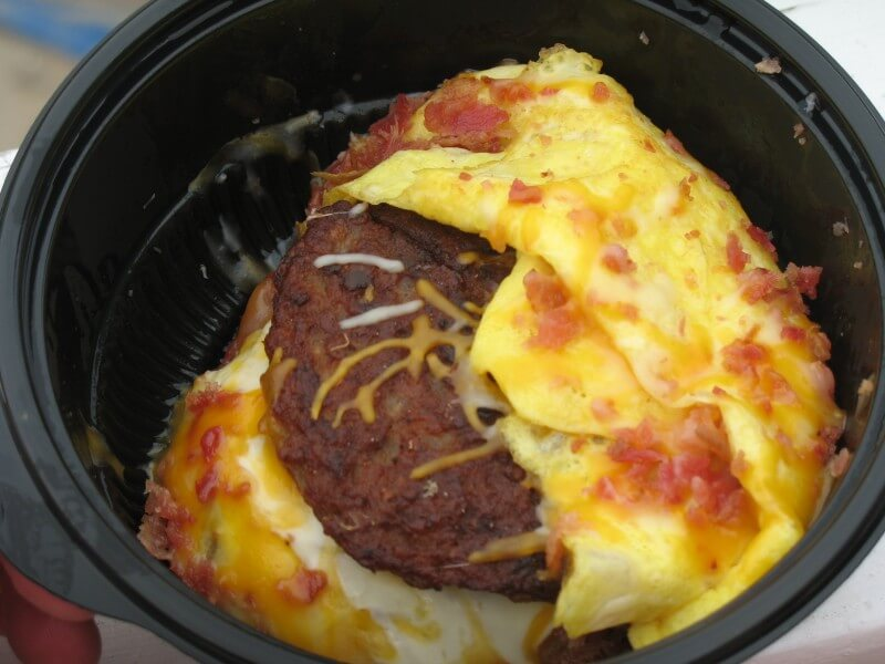 10 Keto-Friendly Fast Food Options | Hardees Low-Carb Breakfast Bowl| FastFoodMenuPrices.com