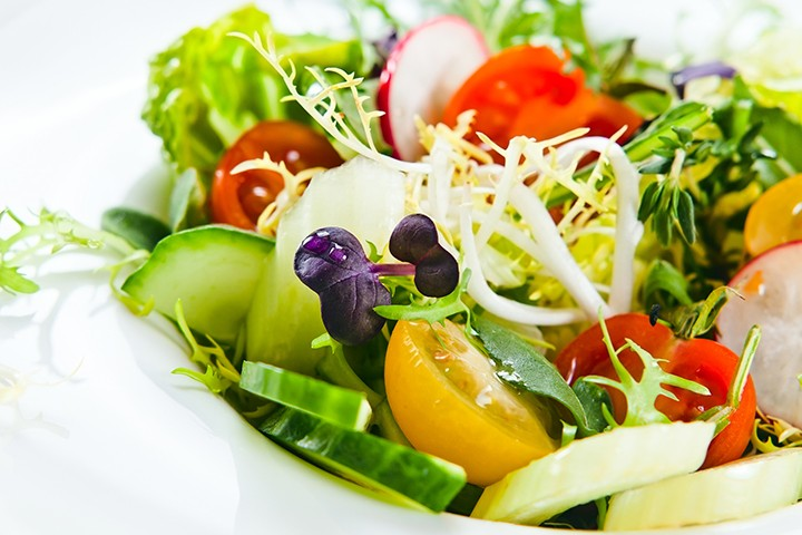 Tips for Eating Healthy Fast Food | Salad | FastFoodMenuPrices.com