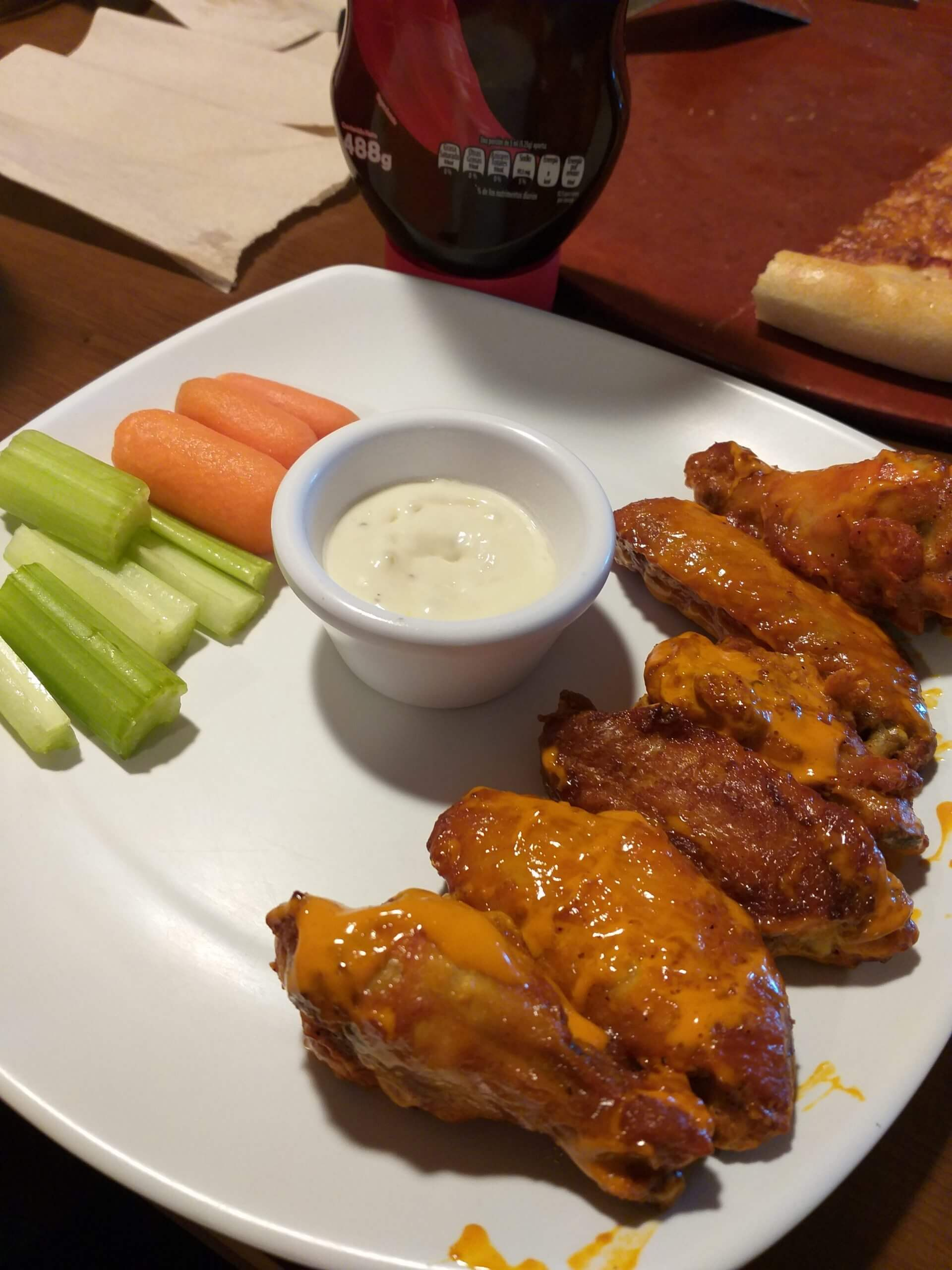 The Bff Of Pizza Pizza Hut Chicken Wings Review Fast Food Menu Prices